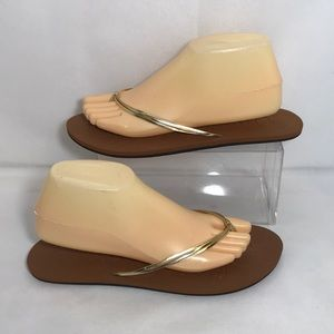 Reef Metallic Gold and Tan Sandals Size 9 or 40